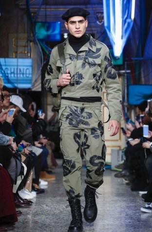 moschino-menswear-pre-fall-fall-winter-2017-milan32