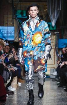 moschino-menswear-pre-fall-fall-winter-2017-milan37