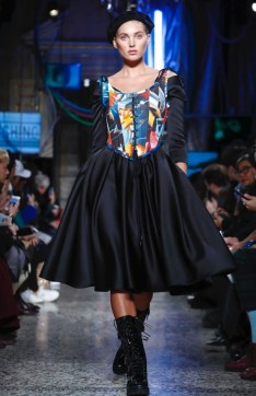 moschino-menswear-pre-fall-fall-winter-2017-milan41