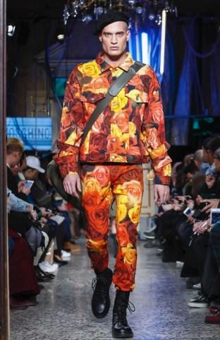 moschino-menswear-pre-fall-fall-winter-2017-milan45