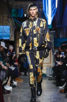 moschino-menswear-pre-fall-fall-winter-2017-milan55