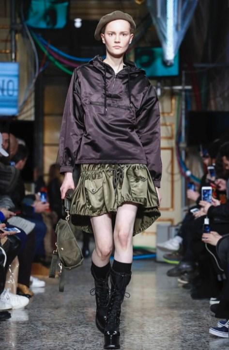 moschino-menswear-pre-fall-fall-winter-2017-milan64