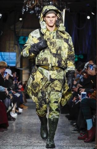 moschino-menswear-pre-fall-fall-winter-2017-milan7
