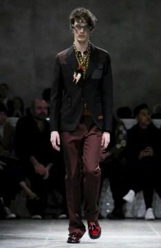 prada-menswear-fall-winter-2017-milan26