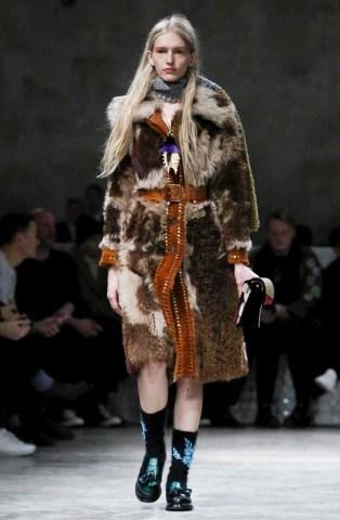 prada-menswear-fall-winter-2017-milan35