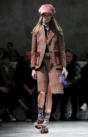 prada-menswear-fall-winter-2017-milan6
