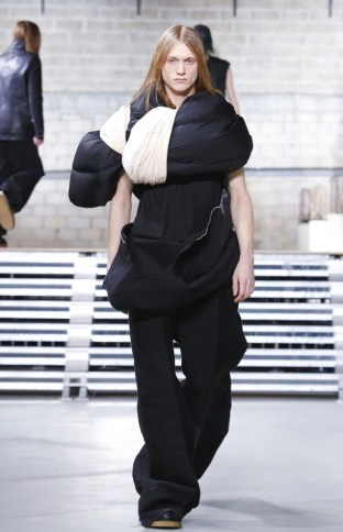 rick-owens-menswear-fall-winter-2017-paris19