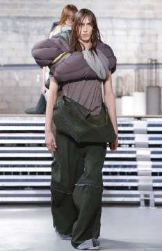 rick-owens-menswear-fall-winter-2017-paris35