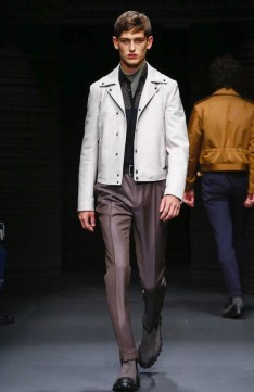 salvatore-ferragamo-menswear-fall-winter-2017-milan3