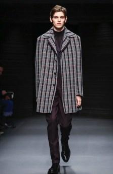 salvatore-ferragamo-menswear-fall-winter-2017-milan40