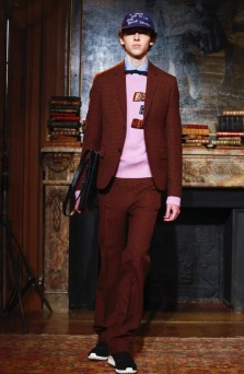 valentino-menswear-fall-winter-2017-paris24
