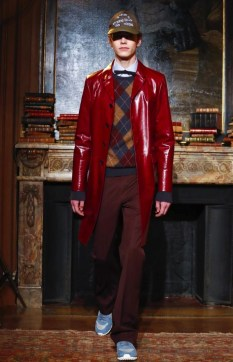 valentino-menswear-fall-winter-2017-paris3