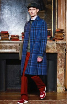 valentino-menswear-fall-winter-2017-paris37