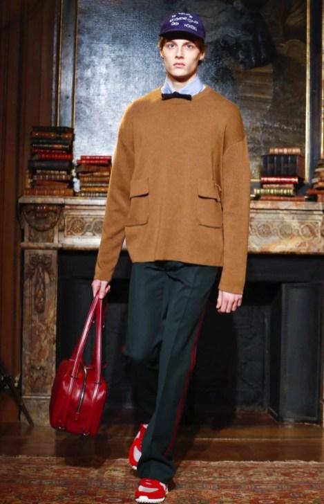 valentino-menswear-fall-winter-2017-paris47