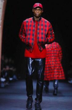 versace-menswear-fall-winter-2017-milan3