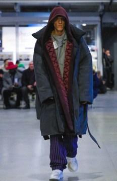 vetements-ready-to-wear-fall-winter-2017-paris37