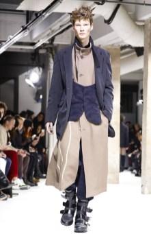 yohji-yamamoto-menswear-fall-winter-2017-paris18