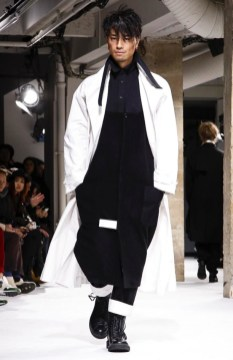 yohji-yamamoto-menswear-fall-winter-2017-paris22