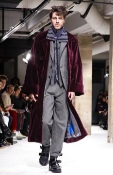 yohji-yamamoto-menswear-fall-winter-2017-paris30