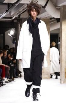 yohji-yamamoto-menswear-fall-winter-2017-paris31