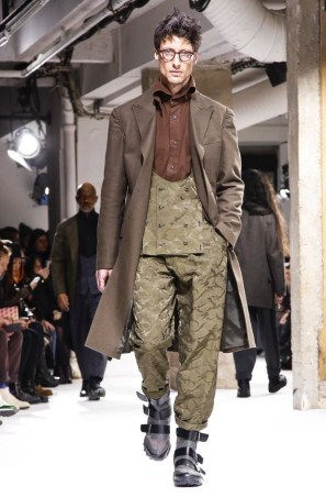 yohji-yamamoto-menswear-fall-winter-2017-paris33