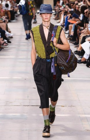 LOUIS VUITTON MENSWEAR SPRING SUMMER 2018 PARIS33