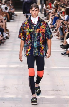 LOUIS VUITTON MENSWEAR SPRING SUMMER 2018 PARIS35