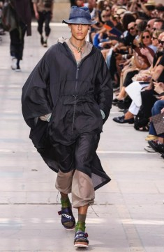 LOUIS VUITTON MENSWEAR SPRING SUMMER 2018 PARIS37