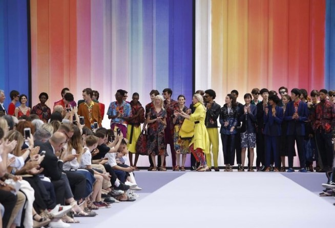 PAUL SMITH MENSWEAR SPRING SUMMER 2018 PARIS35