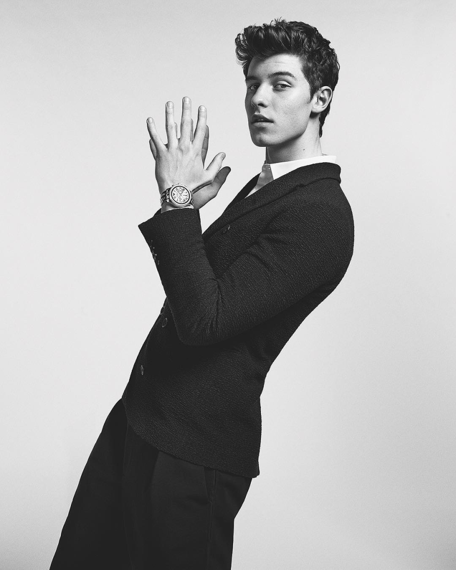 Shawn Mendes is the Armani smartwatch ambassador3