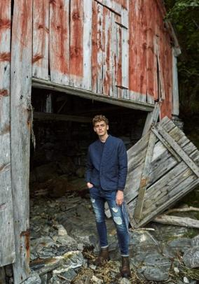 Tom Webb for Stradivarius AW17 Escape24