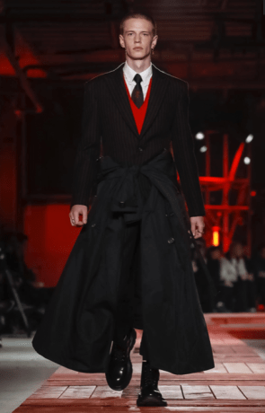 ALEXANDER MCQUEEN MENSWEAR FALL WINTER 2018 PARIS14