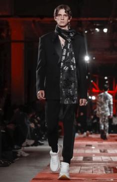 ALEXANDER MCQUEEN MENSWEAR FALL WINTER 2018 PARIS19