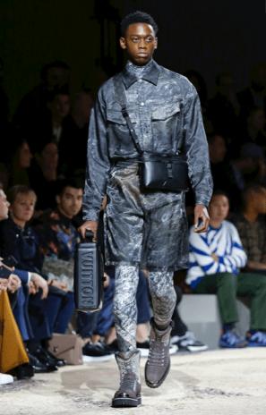 LOUIS VUITTON MENSWEAR FALL WINTER 2018 PARIS33