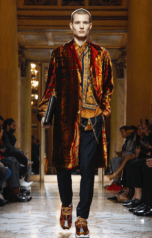 VERSACE MENSWEAR FALL WINTER 2018 MILAN1