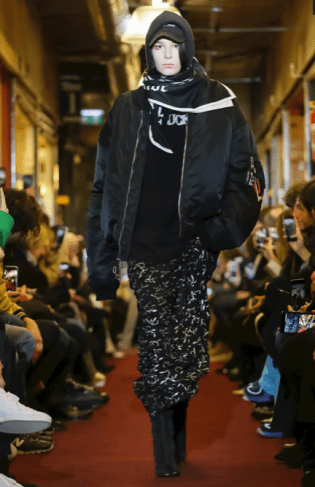VETEMENTS MENSWEAR FALL WINTER 2018 PARIS10