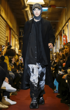 VETEMENTS MENSWEAR FALL WINTER 2018 PARIS55