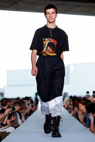Vetements Ready To Wear Spring Summer 2019 Paris21