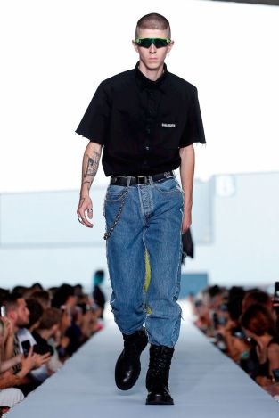 Vetements Ready To Wear Spring Summer 2019 Paris3