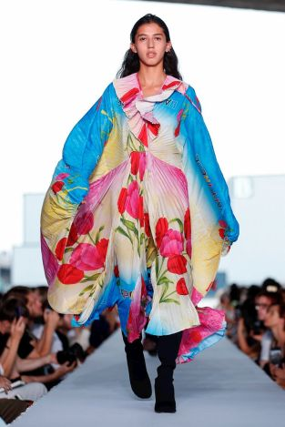 Vetements Ready To Wear Spring Summer 2019 Paris32