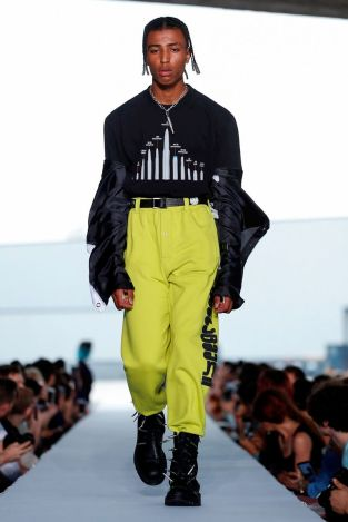 Vetements Ready To Wear Spring Summer 2019 Paris4
