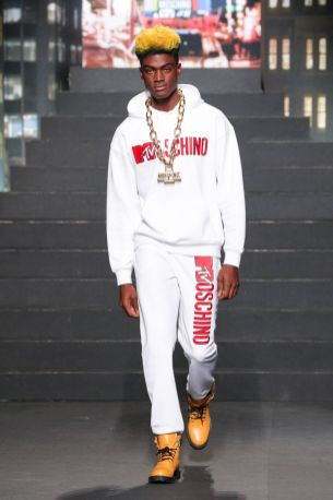 Moschino [tv] x H&M Fall Winter 2018 New York28