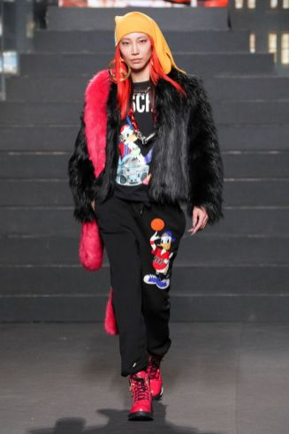 Moschino [tv] x H&M Fall Winter 2018 New York37