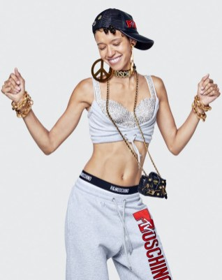 Moschino x H&M Lookbook49