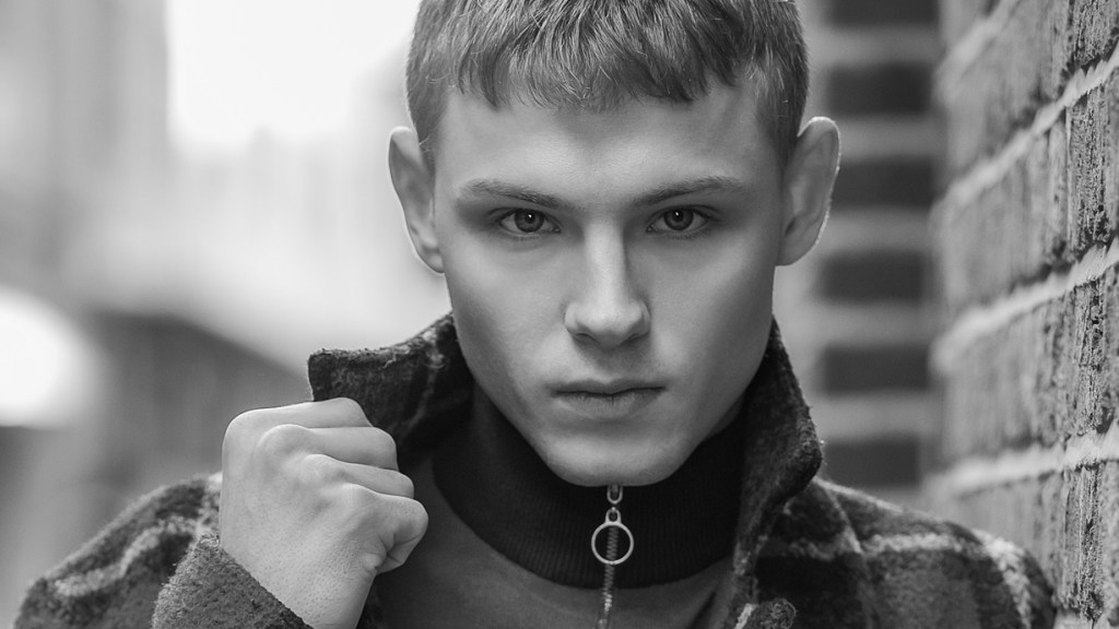 Jason Oung shots Harry Bullen in London