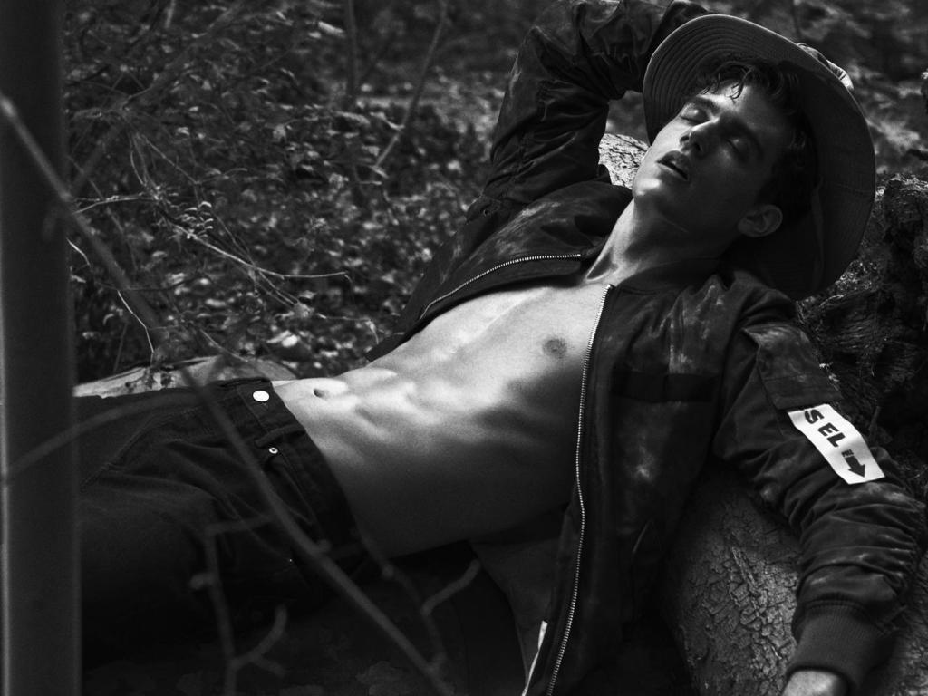 Xavier Serrano on the cover story of L'Officiel Hommes Poland