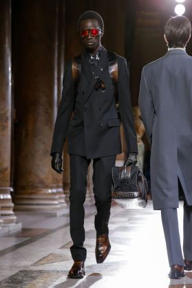 Berluti Menswear Fall Winter 2019 Paris9