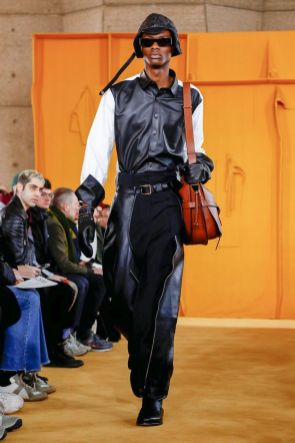 Loewe Menswear Fall Winter 2019 Paris21