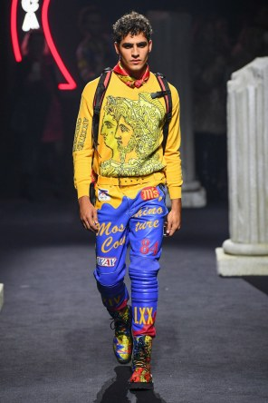 Moschino Menswear Fall Winter 2019 Rome16