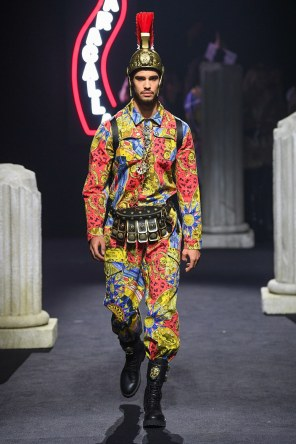 Moschino Menswear Fall Winter 2019 Rome19